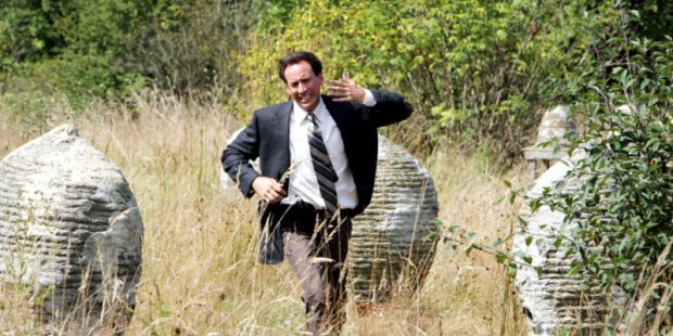 The-Wicker-Man-Nic-Cage-Bees-e1472579010378-800x400.jpg