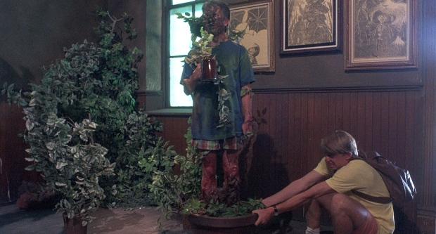 dato curioso al actor planta lo obligaron a estar 14 horas de pie.jpg